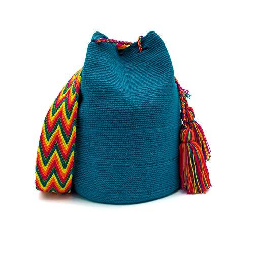 Mochila Wayuu para Hombres tejida a mano en Colombia