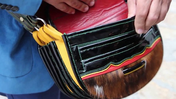 bolsillos de los carrieles paisas