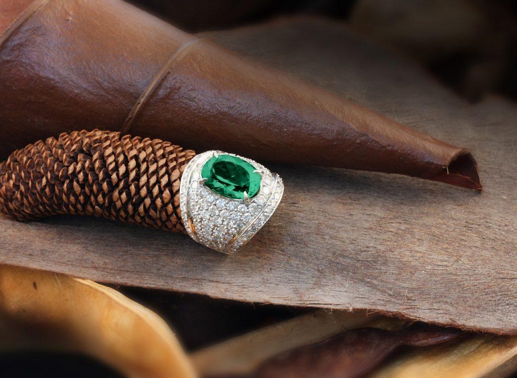 anillos de esmeraldas colombianas precios